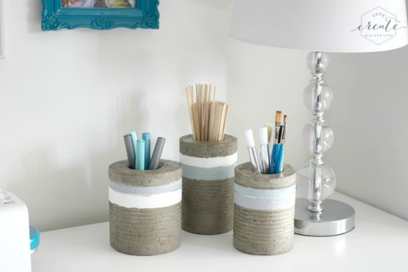 Concrete Vases from Tin Cans: 20+ Creative Ways to Repurpse Tin Cans | www.knickoftime.net
