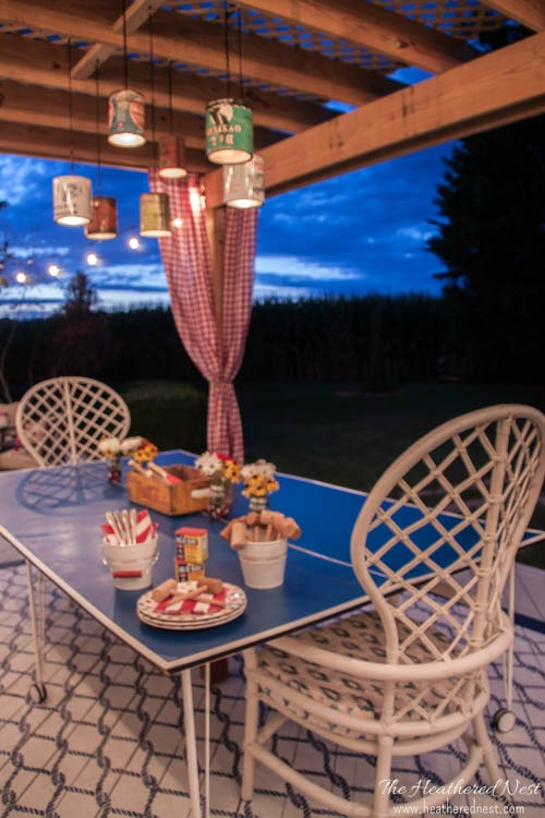 Tin Can Outdoor Lighting: 20+ Creative Ways to Repurpse Tin Cans | www.knickoftime.net
