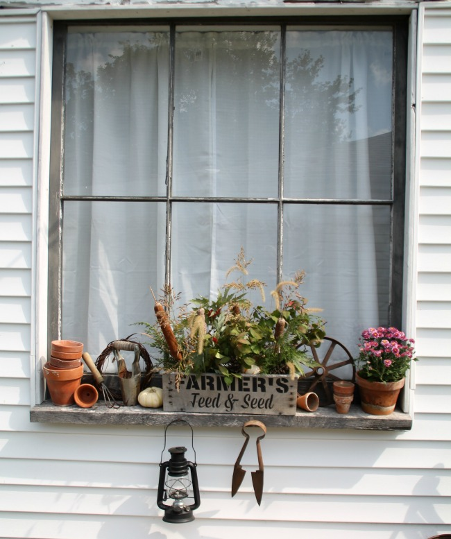 how-to-decorate-a-farmhouse-window-box-for-fall-using-natural-elements-knick-of-time