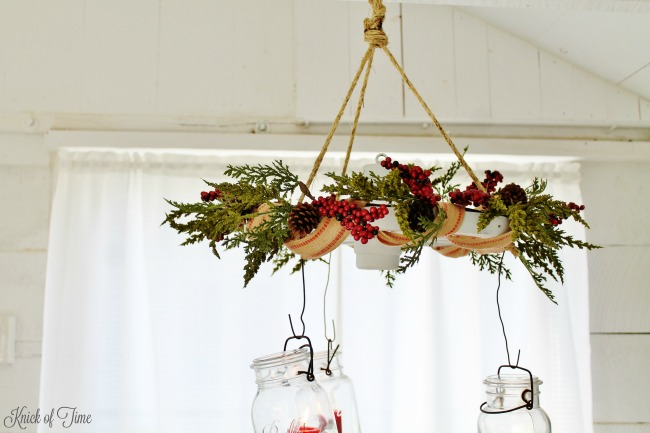 farmhouse-christmas-decor-wagon-wheel-candle-chandelier-joanna-gains-style-knick-of-time