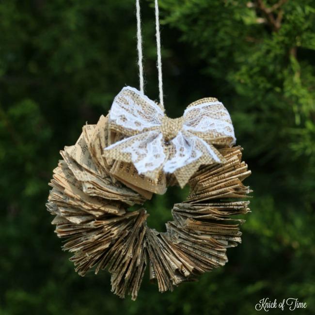 Repurposed book page DIY handmade wreath ornament - www.knickoftime.net