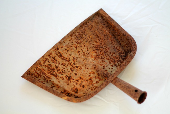 rusty-dustpan