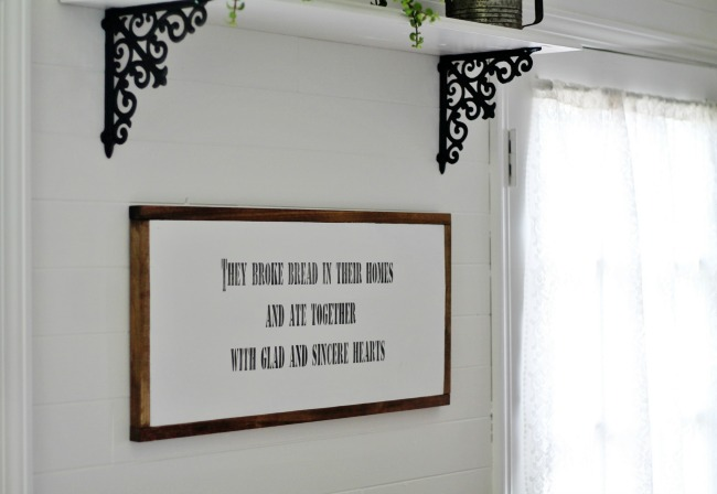 Magnolia House inspired DIY farmhouse sign | www.knickoftime.net