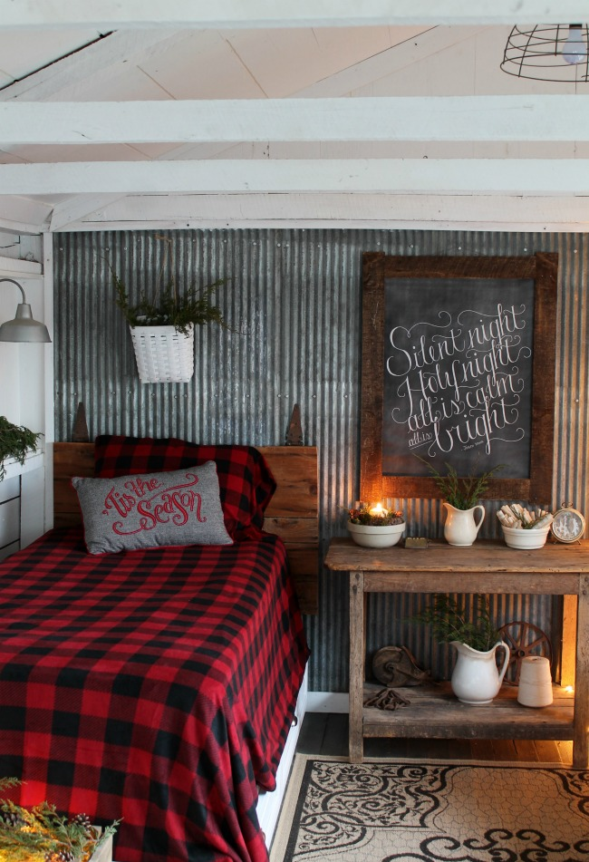 woodland christmas guest room tour knick of time. Black Bedroom Furniture Sets. Home Design Ideas