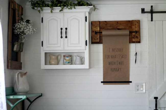 Pallet Wood Kraft Paper Wall Dispenser tutorial - www.knickoftime.net