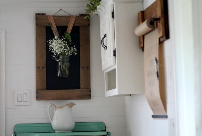 DIY wall hung kraft paper memo roller - www.knickoftime.net