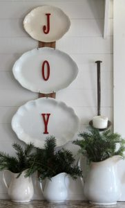 Farmhouse Christmas decorating with antiques and found nature elements - www.knickoftime.net