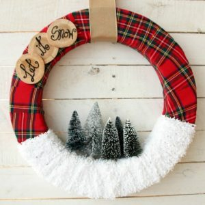 """Adoraably cute DIY """"Let it Snow Christmas wreath featured at Talk of the Town via www.knickoftime.net"""