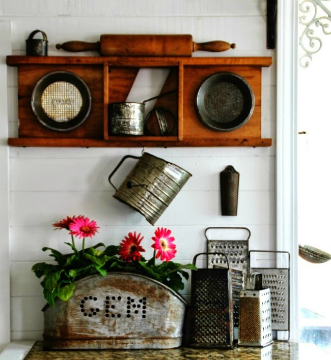 Farmhouse Kitchen Vignette | Turn Old Junk into Fabulous Farmhouse Decor |via www.knickoftime.net