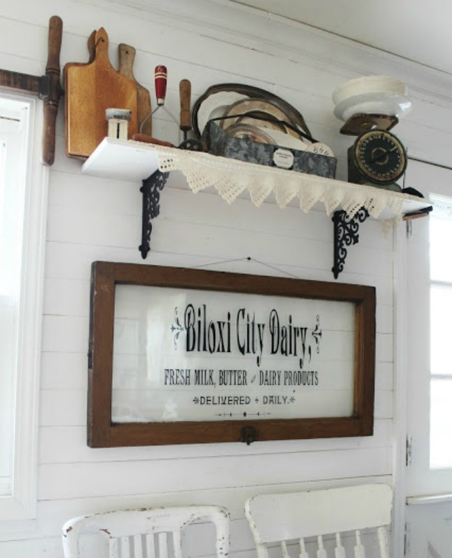 Farmhouse Kitchen Decor | Turn Old Junk into Fabulous Farmhouse Decor |via www.knickoftime.net