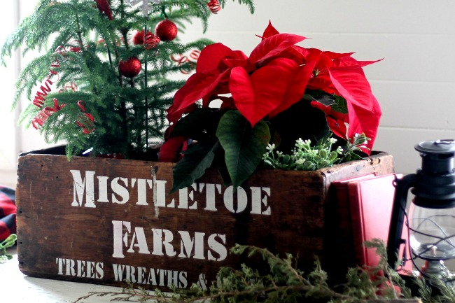 Mistletoe Christmas Crate made with Knick of Time's Vintage Sign Christmas Stencil - www.knickoftime.net