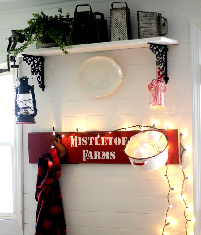 red-rustic-christmas-kitchen-sign