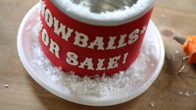 snowflake-covered-diy-chritmas-gift-can
