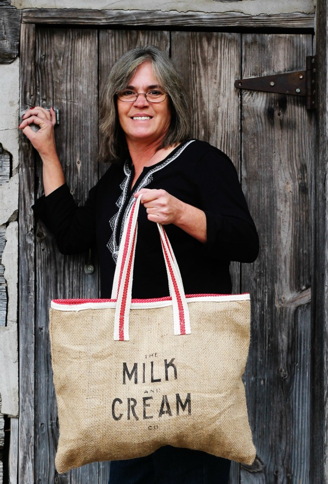 DIY Burlap Farmhouse Shopping Bag with Milk & Cream Co. stencil by Knick of Time Vintage Sign Stencils | knickoftime.net