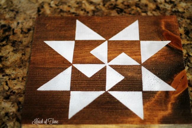The Lazy Girl's Guide to Make a Farmhouse Barn Quilt Block Sign | Step by Step Tutorial | www.knickoftime.net