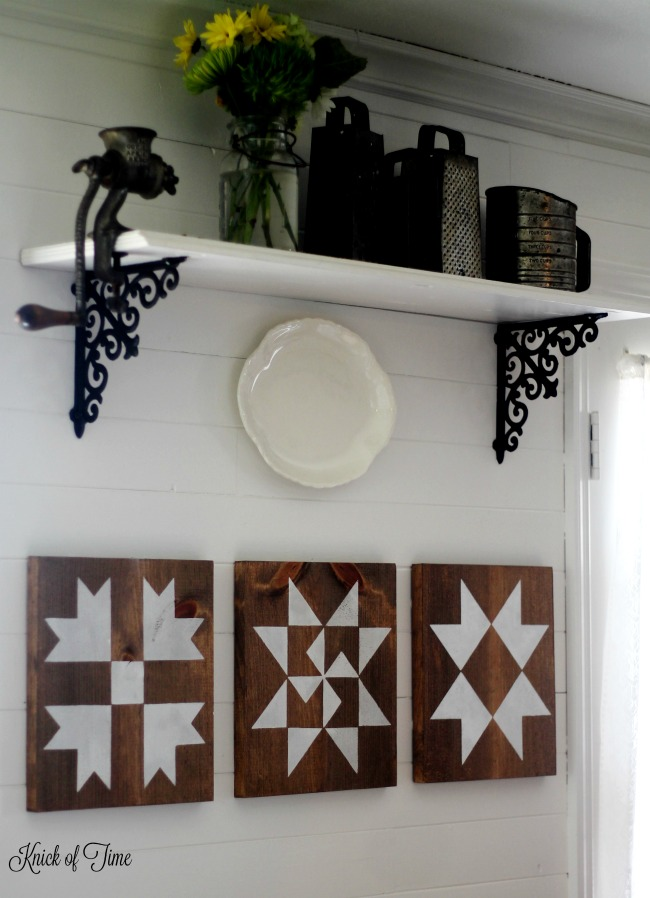 The Lazy Girl's Guide: How to Make Farmhouse Barn Quilt Block Signs with Knick of Time's Vintage Sign Stencils | www.knickoftime.net
