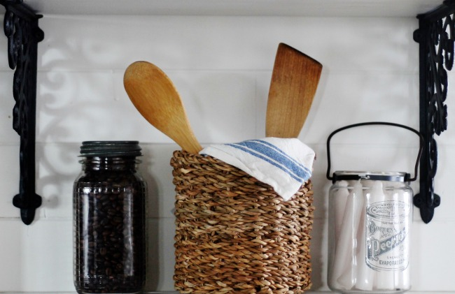 white kitchen display