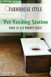 An old wDIY Wooden Crate Pet Feeding Station for the farmhouse kitchen | www.knickoftime.net