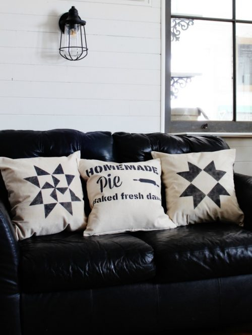 DIY farmhouse pillows with stencils | www.knickoftime.net