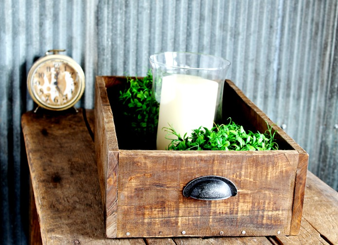 How to Make a Rustic Farmhouse Antique Style Wooden Drawer Display Crate   www.knickoftime.net