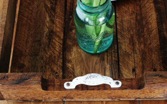 distressed white metal handles for pallet wood tray