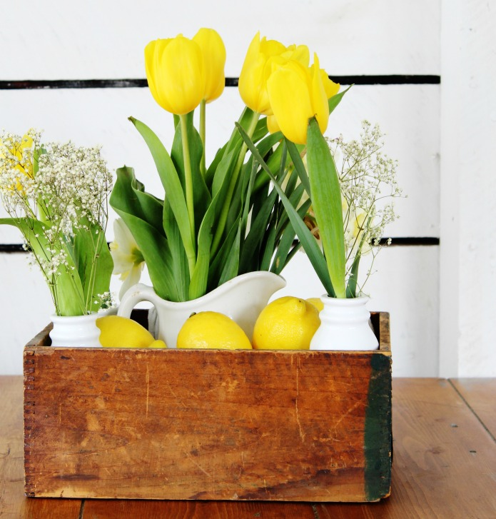 How to make a lemon and tulips spring centerpiece | www.knickoftime.net