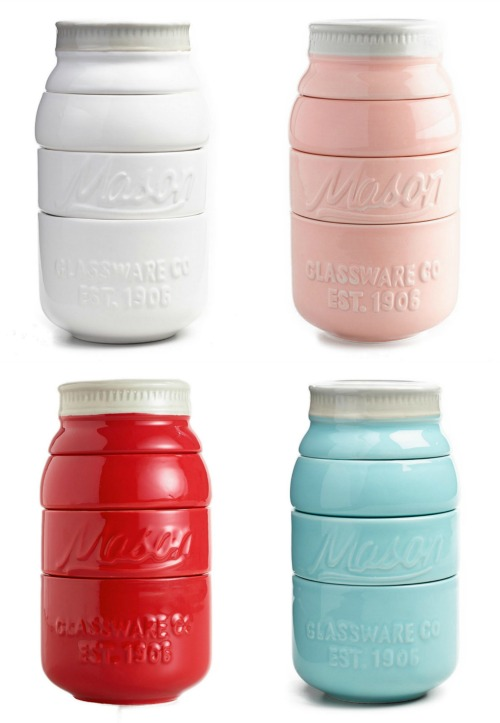 Affordable Kitchen Gift Ideas Under $20 mason jar farmhouse kitchen measuring cups | www.knickoftime.net