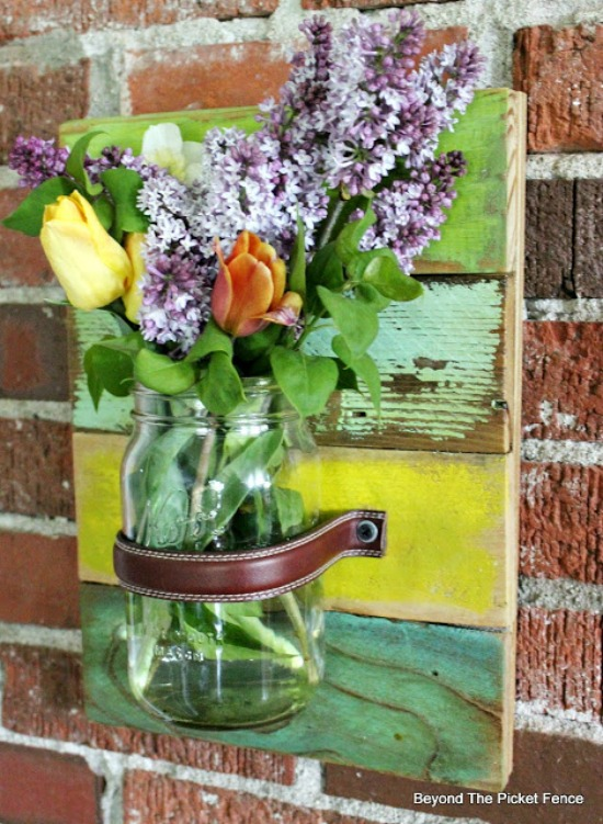 DIY Salvaged Wood Mason Jar Wall Vase | http://www.beyondthepicket-fence.com/2016/05/mason-jar-wall-vase.html