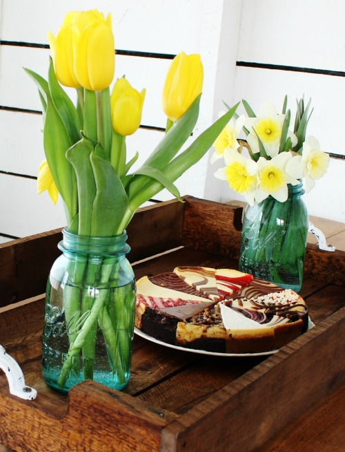 How to make a reclaimed pallet wood serving tray for weddings, special events and home decor   www.knickoftime.net