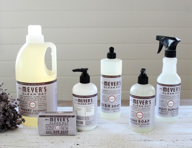Spring cleaning with Mrs. Meyer's earth friendly lavender scented products | www.knickoftime.net