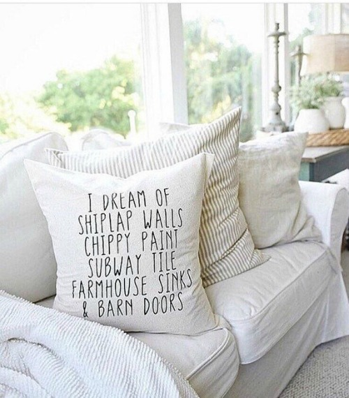 I Dream of Shiplap Pillow | Farmhouse Style Pillows to Make or Buy | www.knickoftime.net