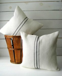Grain sack stripe pillow | Farmhouse home decor pillows to DIY or buy online | www.knickoftime.net