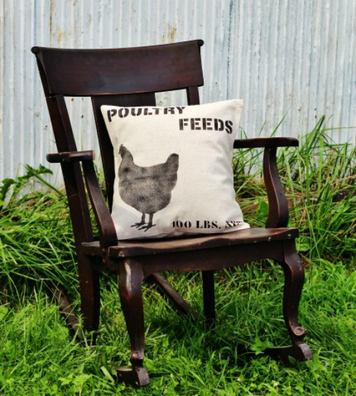 DIY Poultry Feeds Canvas Pillow | Farmhouse Style Pillows to Make or Buy | www.knickoftime.net