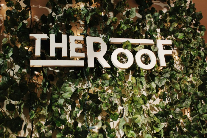 Rooftop Restaurant Logo design | www.knickoftime.net
