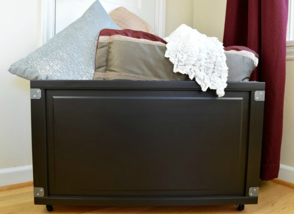 How to Build a Blanket Box From Bi-Fold Doors | Upcycled & Repurosed Thrift Store Makeovers