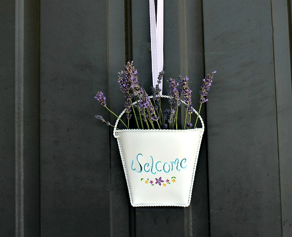 Front Door Flower Welcome Basket Alternative Wreath Idea | Upcycled & Repurosed Thrift Store Makeovers