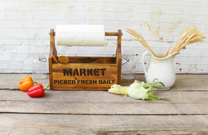 Farmer's market farmhouse style decor DIY kitchen storage tote with paper towel holder | www.knickoftime.net