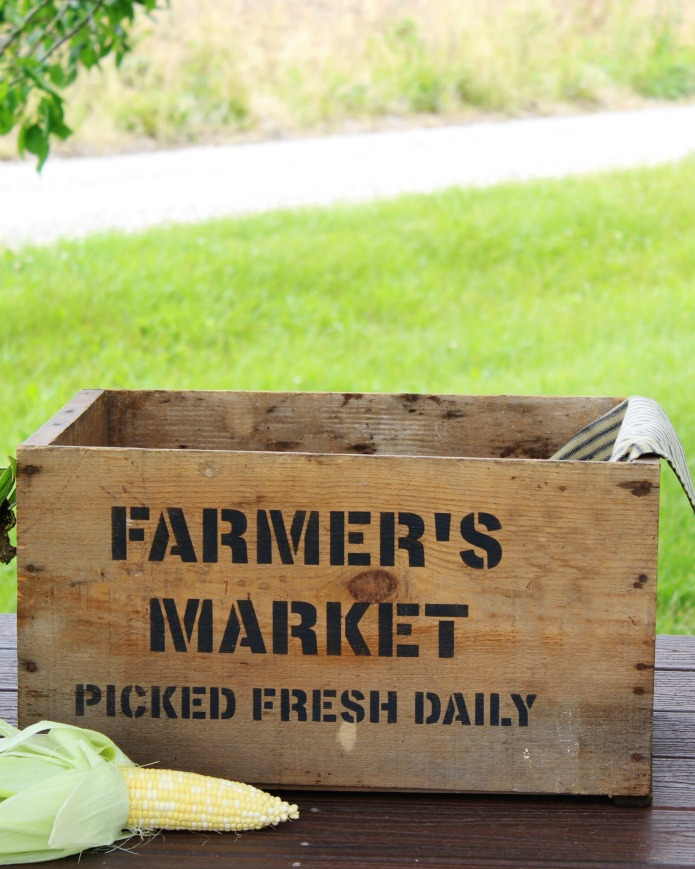 FARMER'S MARKET stenciled wooden crate using Knick of Time's Vintage Sign Stencils | www.knickoftime.net
