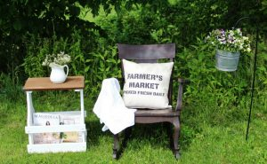 How to make a FARMER'S MARKET painted canvas pillow cover using Knick of Time's Vintage Sign Stencils | www.knickoftime.net