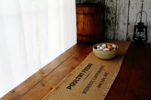 DIY farmhouse style burlap table runners using Knick of Time's Vintage Sign Stencils | www.knickoftime.net