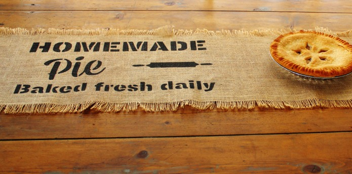 "DIY Farmhouse Style Burlap Table Runners using Knick of Time's ""Homemade Pie Vintage Sign Stencils