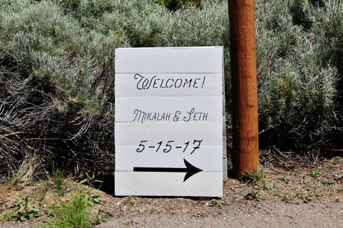 Sandwich board wedding reception sign   www.knickoftime.net