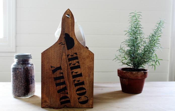 DIY coffee shop rustic wood tote | www.knickoftime.net
