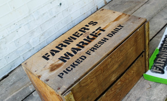 How to make a rustic farmer's market vintage style crate with Knick of Time's Vintage Sign Stencils | www.knickoftime.net