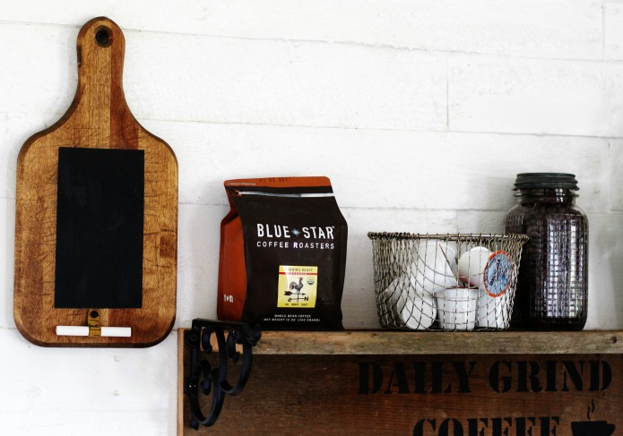 How to make a rustic farmhouse style kitchen chalkboard from a vintage bread board | www.knickoftime.net