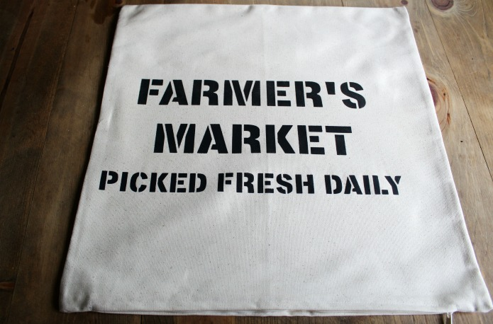 Farmer's market farmhouse style decor DIY canvas pillow cover | www.knickoftime.net