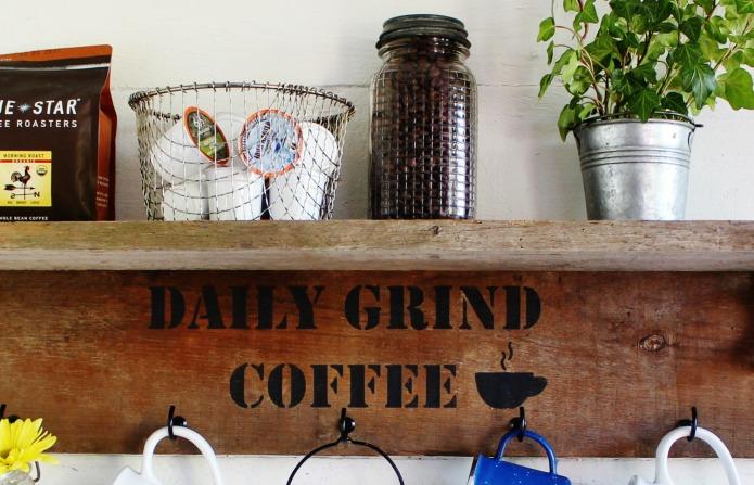 Rustic Reclaimed Wood Farmhouse Style Mug Rack Coffee
