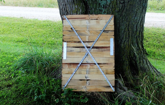 How to make a pallet wood oversize sign | www.knickoftime.net