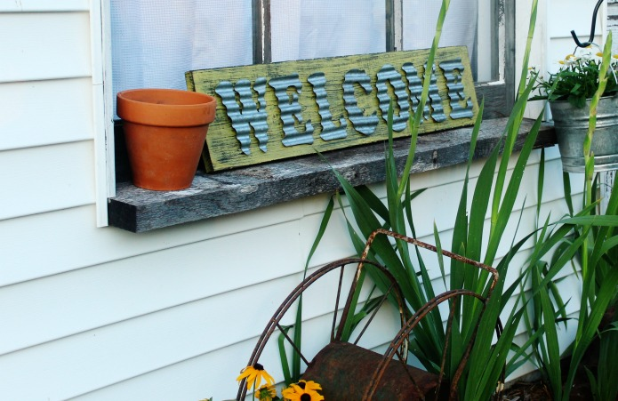 How to make an aged sign on new wood | www.knickoftime.net