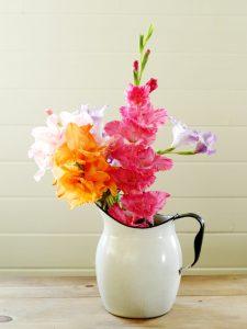 gladiolus arrangement in vintage enamelware pitcher | www.knickoftime.net